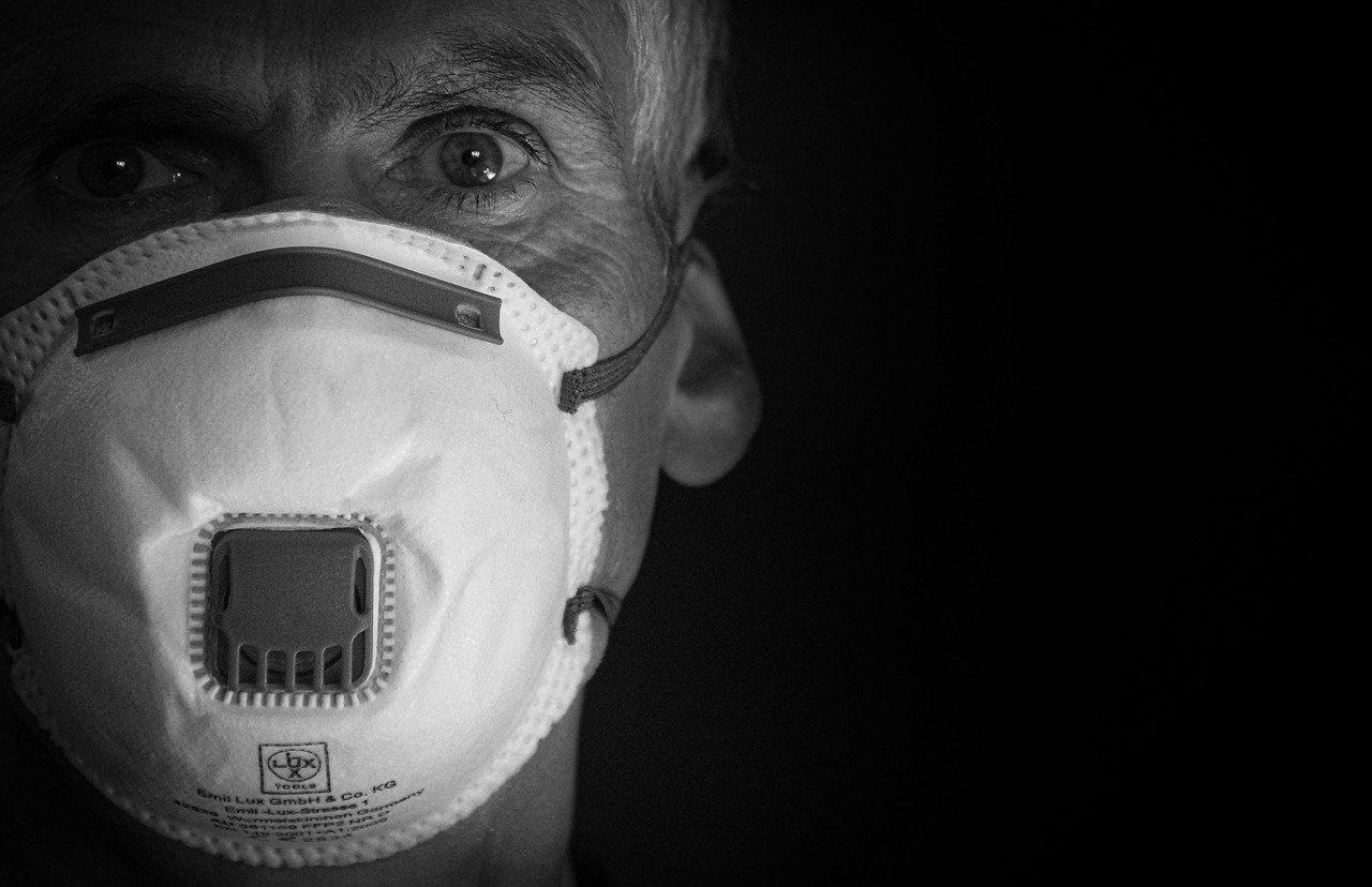 Covid-19: Saiba a forma correta de usar a máscara
