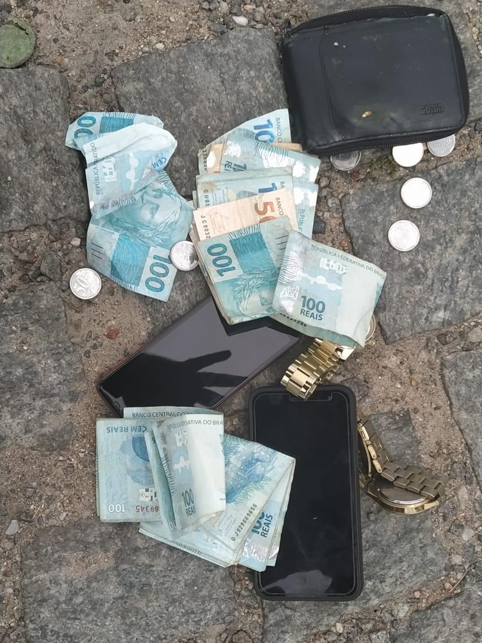 Assaltantes são presos após furtar mais de 3 mil reais na zona rural de Manoel Vitorino