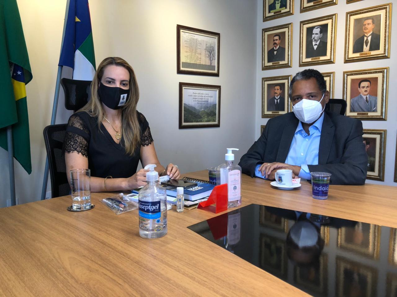 Antonio Brito e Sheila Lemos se reúnem para debater o desenvolvimento de Vitória da Conquista e da região sudoeste
