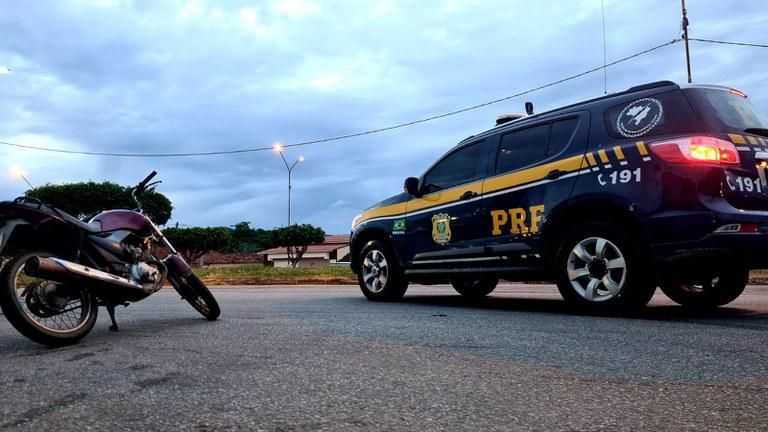 PRF em Jequié (BA) recupera motocicleta furtada em fiscalização na BR 116