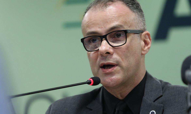 Covid-19: presidente da Anvisa pede que a população tome a segunda dose da vacina
