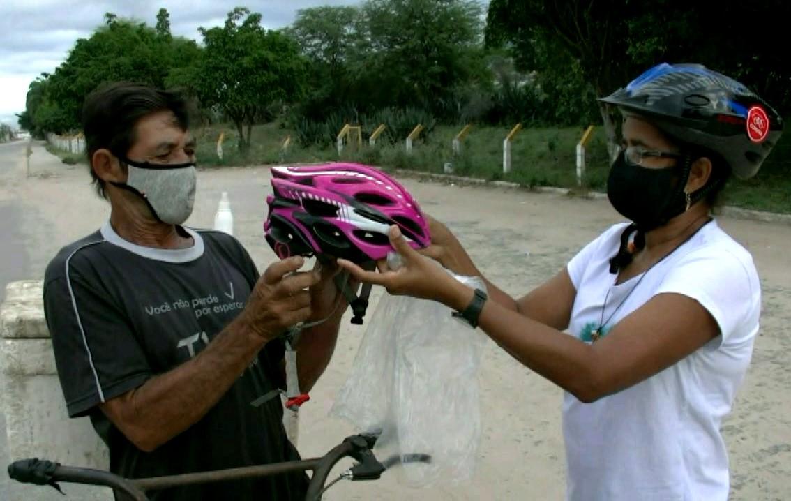 Movimento Ciclo-Olhar está recebendo doações de capacetes para ciclistas de baixa renda