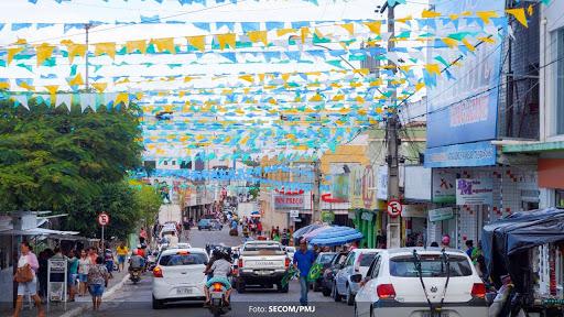 CDL divulga horário especial de funcionamento do comércio durante o São João