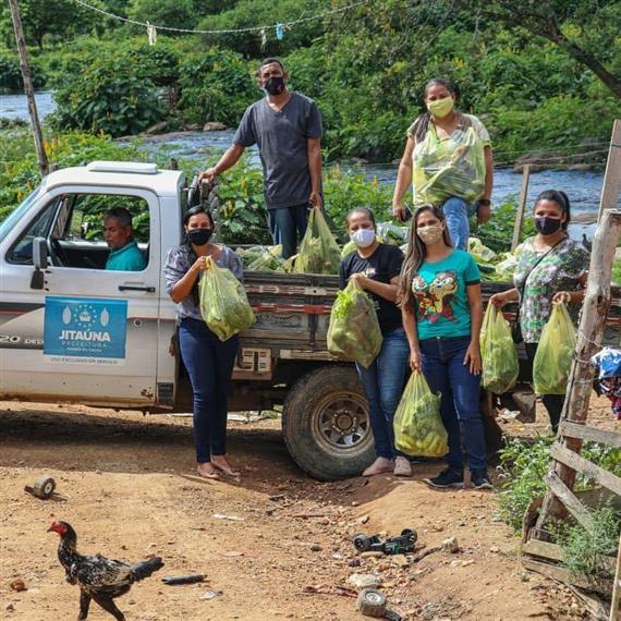 Prefeitura de Jitaúna e Secretaria de Assistência Social realizaram distribuição de cestas do programa (PAA)