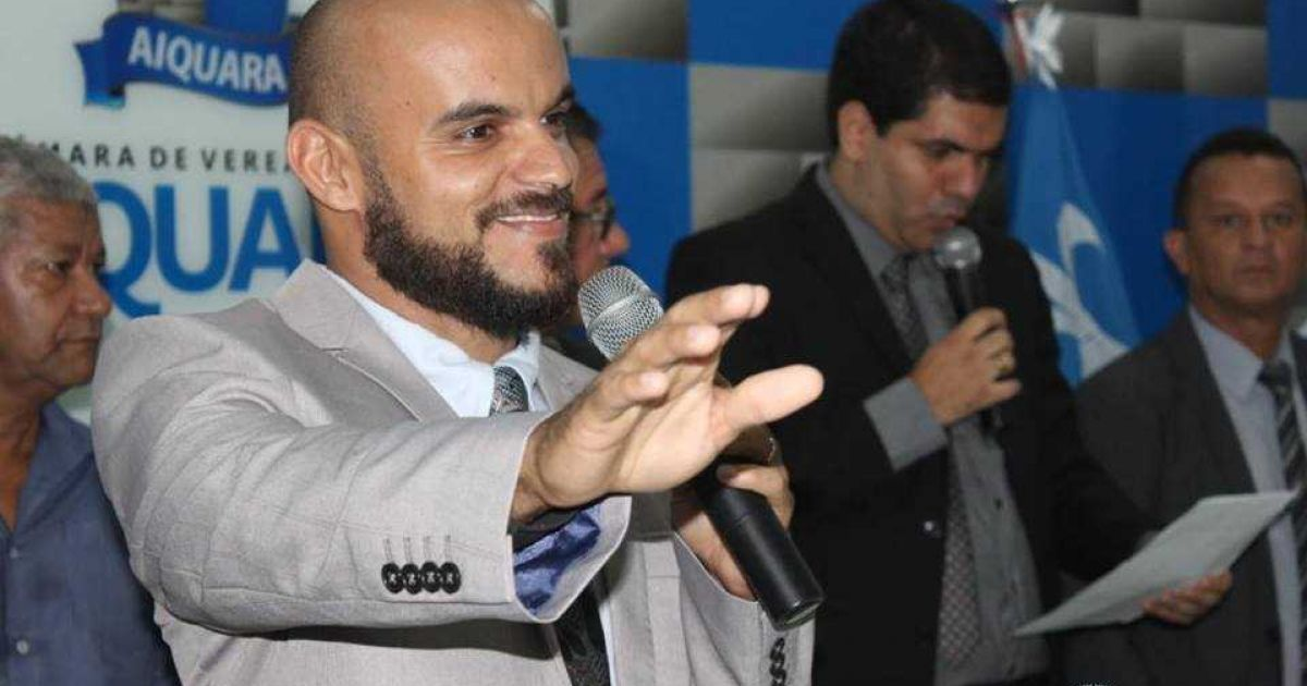 Justiça condena prefeito de Aiquara Delmar Ribeiro a pagar indenização a vereadores