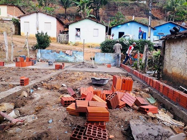Programa MORAR MELHOR continua reformando casas de munícipes em ritmo acelerado.