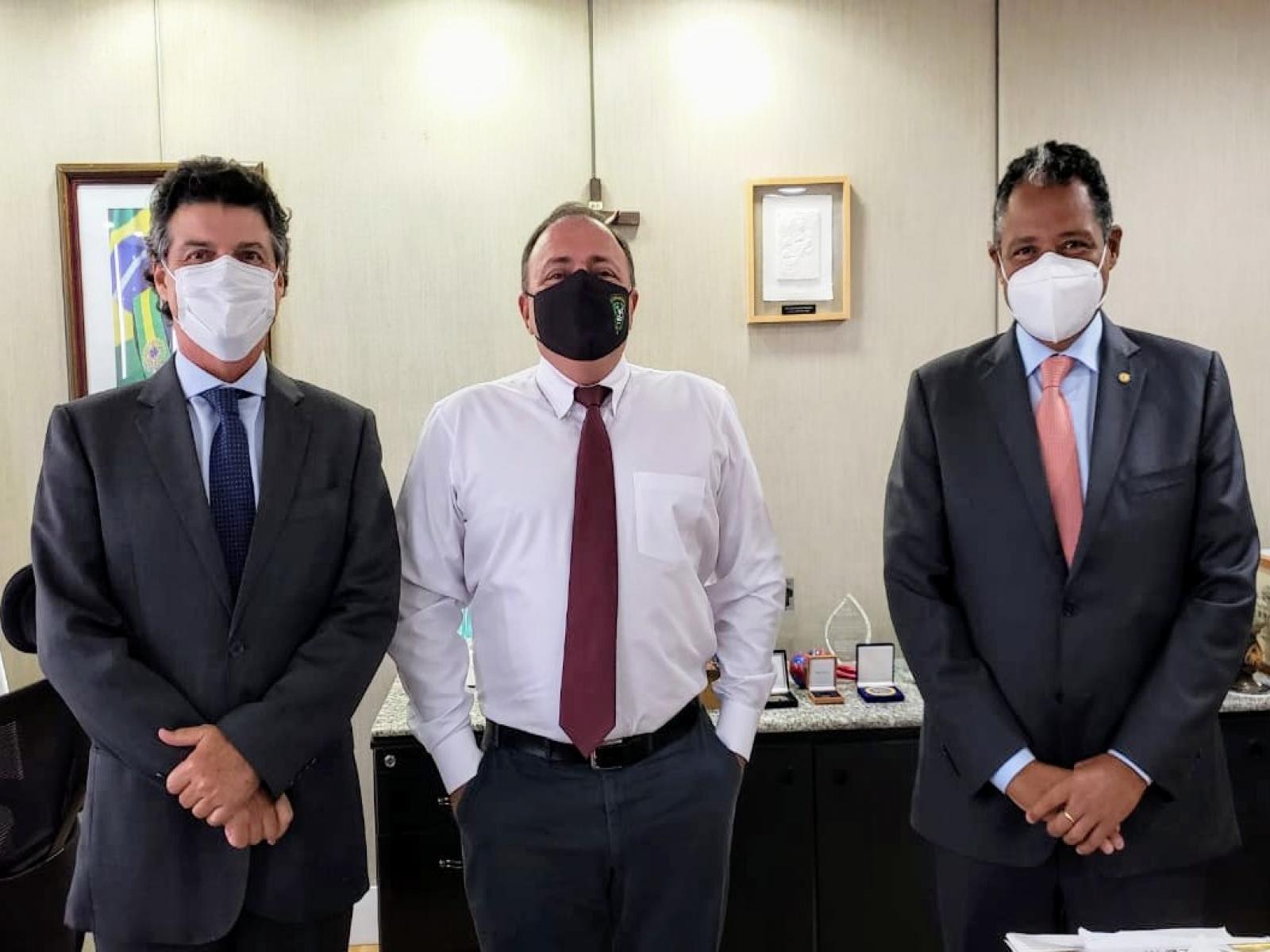 Antonio Brito debate com o ministro da Saúde modelo de sustentabilidade para as Santas Casas