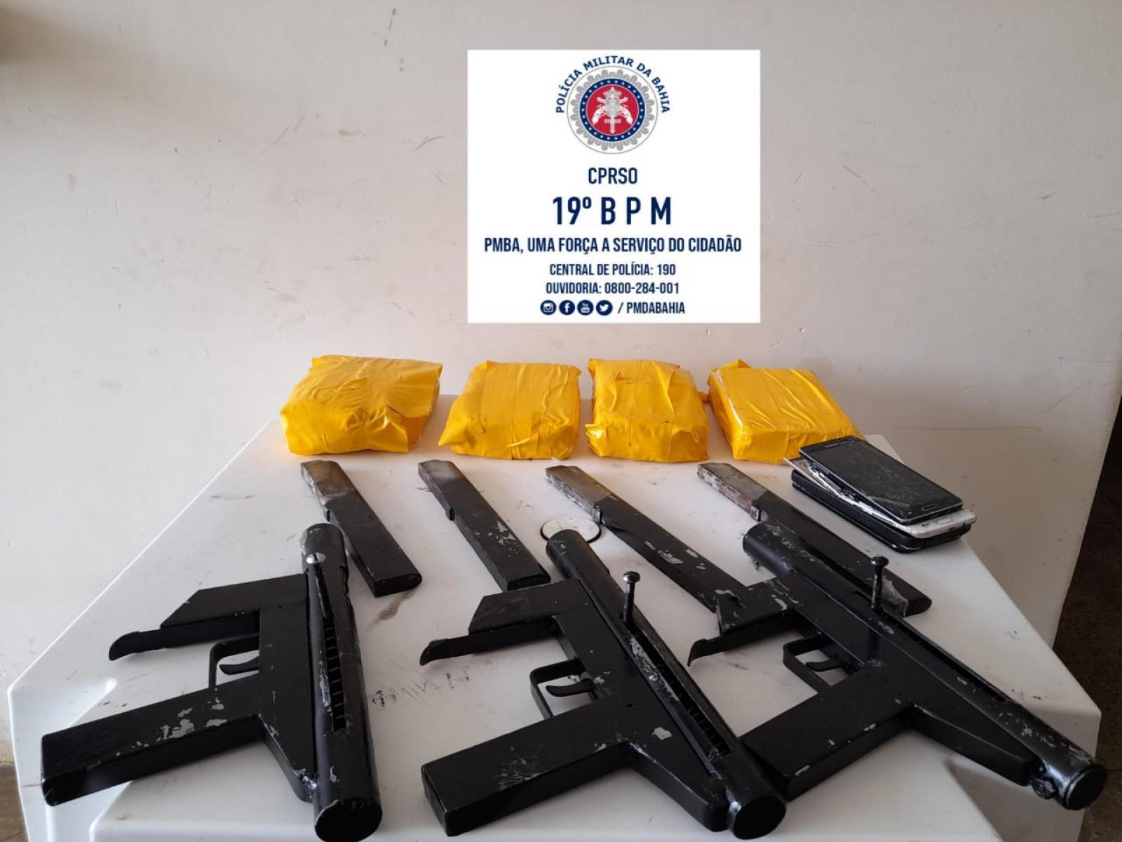 Polícia Militar prende bandidos e 3 submetralhadoras no Entroncamento de Jaguaquara