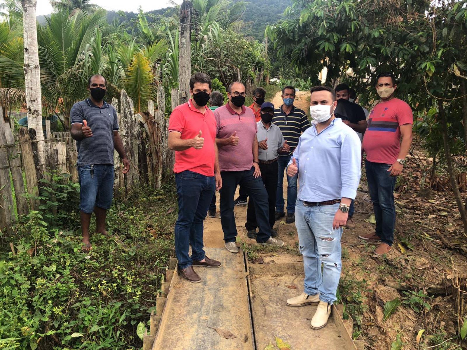 Vereador Walmiral Marinho leva melhorias para o distrito de Florestal