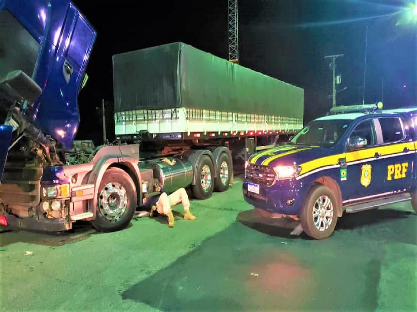 Carreta Scania roubada há quase 5 anos é recuperada pela PRF na BR 116 em Jequié